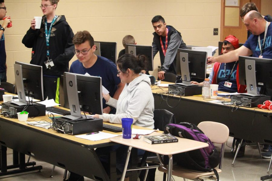 The Cyberpatriots teams working through images PC: Coach Schmidt
