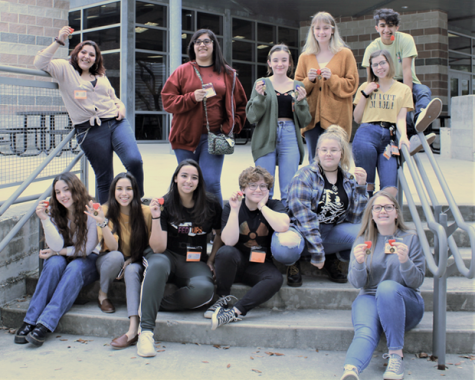 The art club members posing with their medals that they won   PC: MVISD